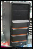 Xigmatek 的平價端機箱 Asgard 382 鋼鐵人