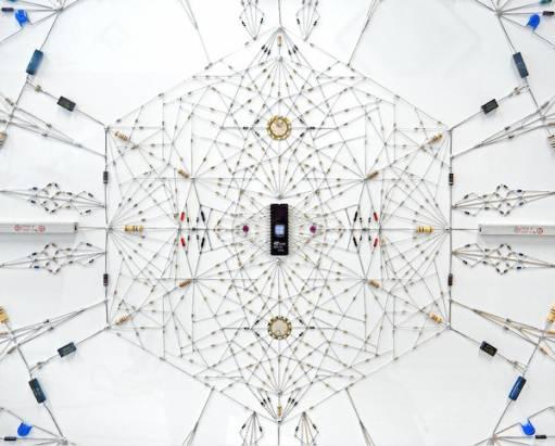 電子零件不科技,精緻繁複的曼陀羅藝術-Technological mandala