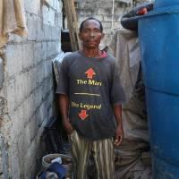 當美國回收的廉價 T 恤被海地人穿上……