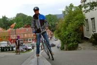 單車「電梯」輕鬆上斜坡