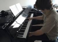 好 Youtube 化繁為簡,單手彈奏瑪莉歐旋律
