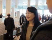 MWC 2014 :轉機巧遇 HTC 董事長王雪紅,小聊關於 HTC 近期情況