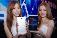 又一以結合台灣產業鏈為號召的 Phoblet ,台系顯卡廠同德推出 GALAPAD S6 享樂機