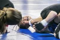 籠內的惡鬥︰美國兒童綜合格鬥 MMA 實拍影像