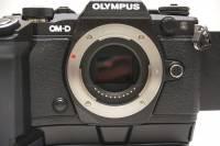 不管有沒有電子觀景窗, CES 明訂無反光鏡可換鏡頭相機統稱為 Mirrorless
