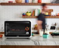 智慧家電不光只是讓家電多個可上網的螢幕, June 智慧烤箱透過視覺運算幫主人成為料理高手