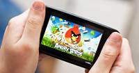 美國饒舌歌手肯伊威斯特:將手機遊戲裡導入小額付費機制的公司很糟糕