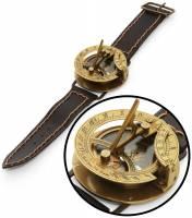 最潮也是最復古看時間的方式……日晷手錶