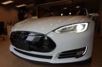 Go Park Yourself 成真! Tesla 將透過更新使 Model S Model X 可自動停入車庫