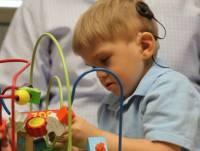 [科技新報]腦幹植入晶片,三歲失聰兒重獲聽覺