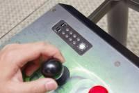 Computex 2013 : Razer 展出可塑性超高的 Razer Atrox 格鬥遊戲大搖