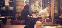 日本餐廳提供陪伴娃娃服務,讓你吃飯終結孤單!